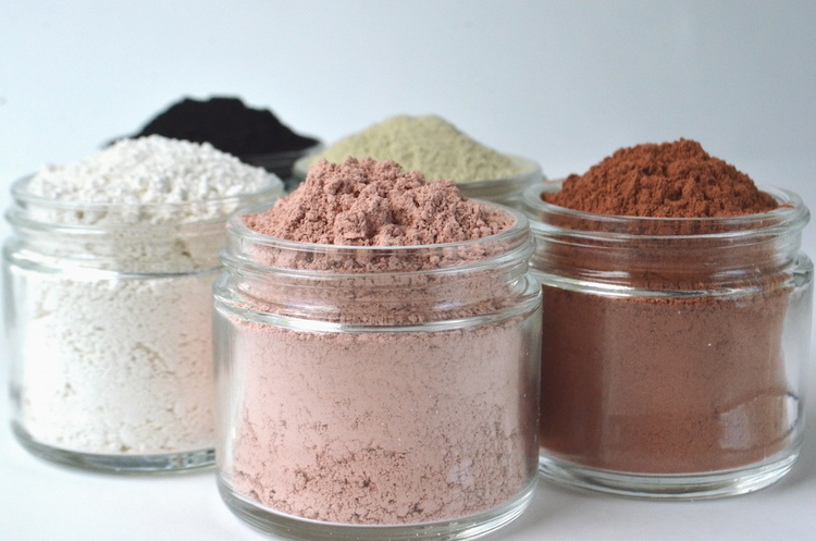 Different types of clay used for face masks