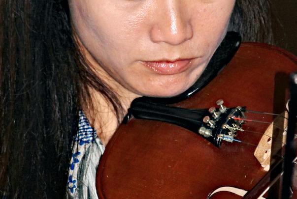 Acne violin player
