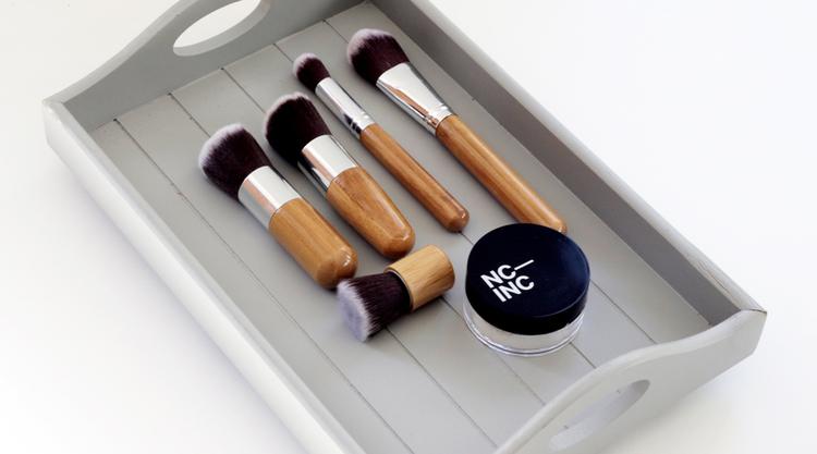 makeup brush acne cause