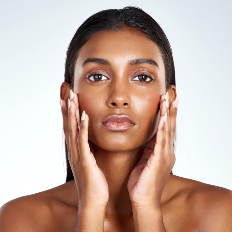 Dewy skin is the hallmark of healthy skin 1019970698 3866x2580