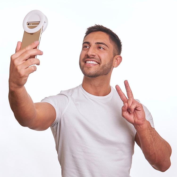 Selfie 241 3